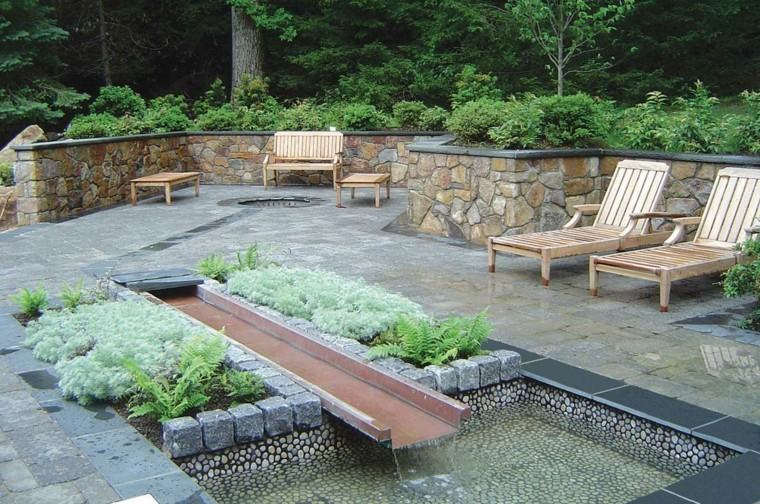 diseño moderno fuente agua viga
