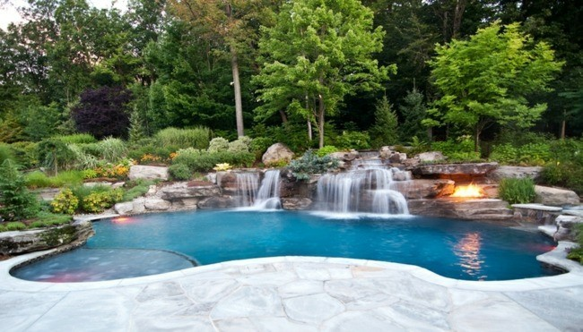 diseño piscina cataratas chimenea cascada