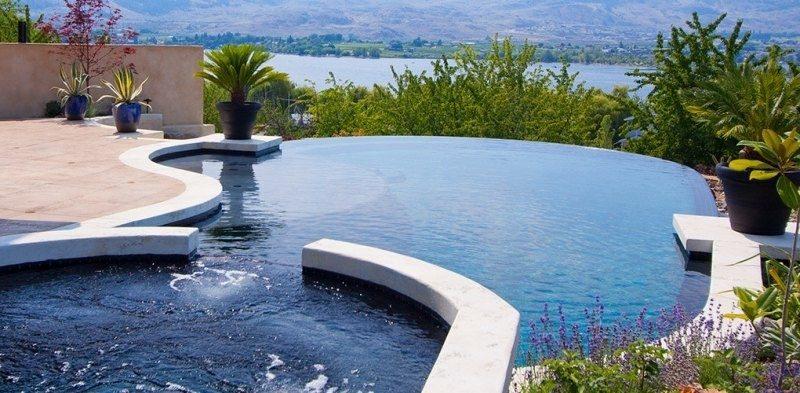 diseño piscina infinita vistas jacuzzi