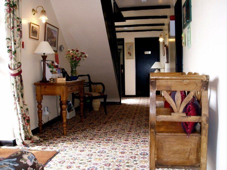 Recibidores decorados con muebles desgastados 25 ideas - Diseno de recibidores ...