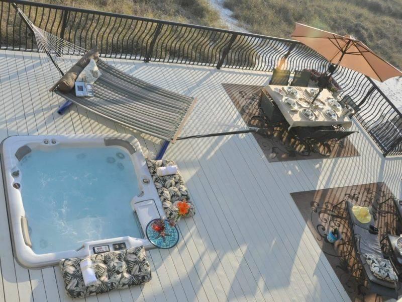 diseño terraza moderna vistas jacuzzi