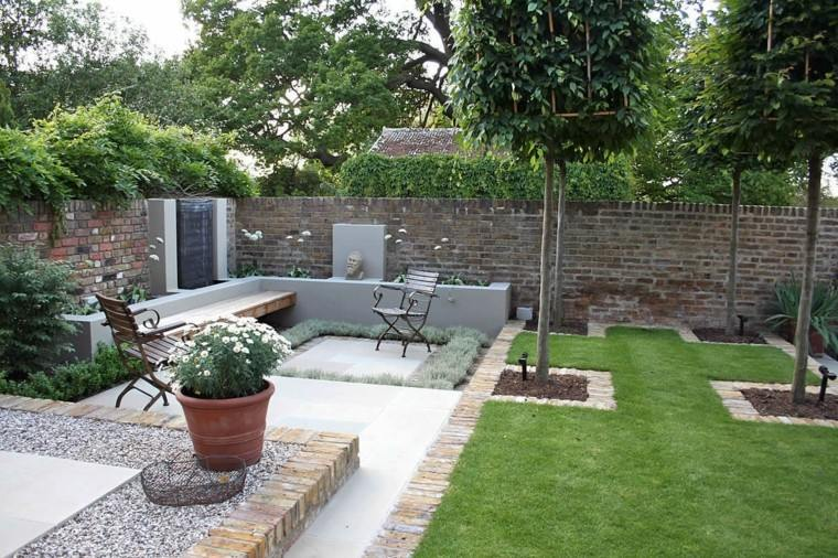 diseño de jardines pequeños cesped fuente ideas
