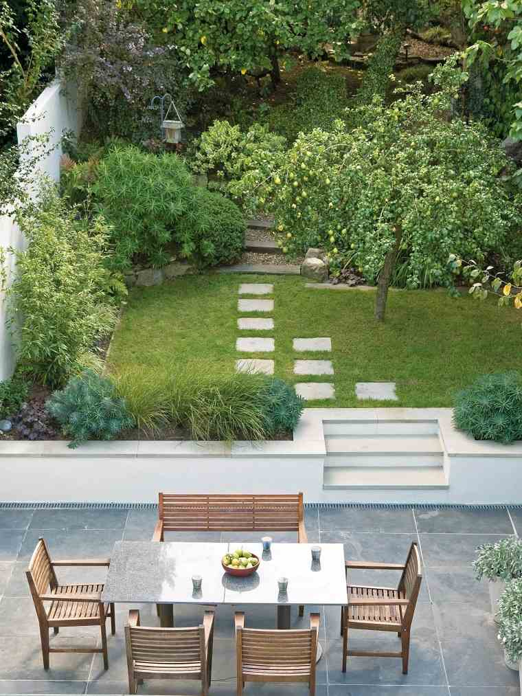 diseño de jardines pequeños mesa granito ideas