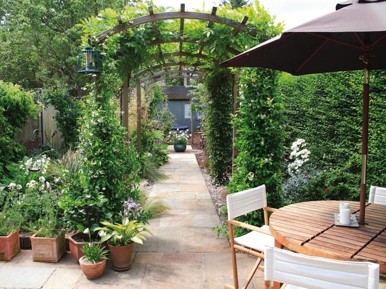 diseño de jardines pequeños pergola madera ideas