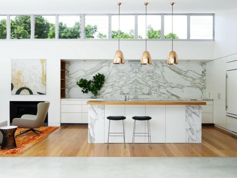distribucion lamparas dorado marmol pared