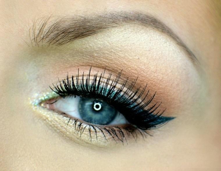 elegante oro ojos chica veraniego nautico