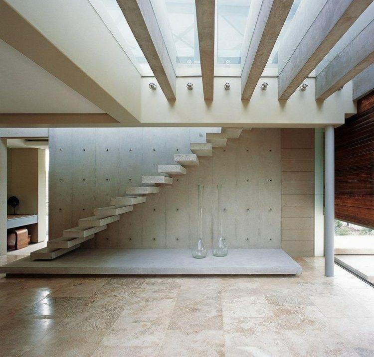 escalera cemento casa mobiliario vidrio
