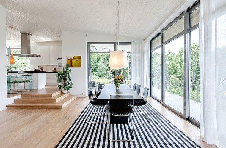 escalones madera rayas alfombra moderno