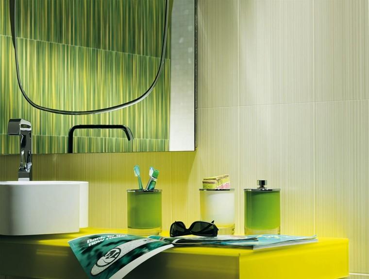 espejo baño azulejos fap verdes
