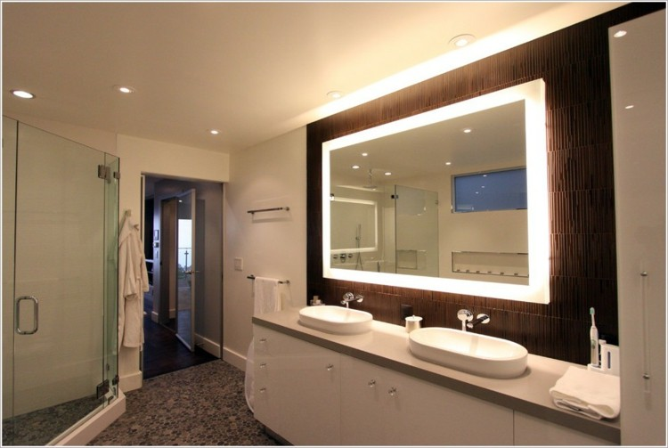 Espejos iluminacion y estilo en 50 incre bles propuestas for Marcos de madera para espejos grandes