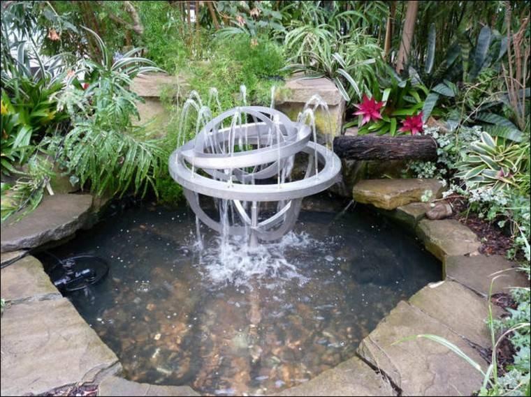 estanque jardin fuente moderna metal diseo fuente de agua pinterest fuentes modernas estanques de jardn y estanques - Estanques Jardin