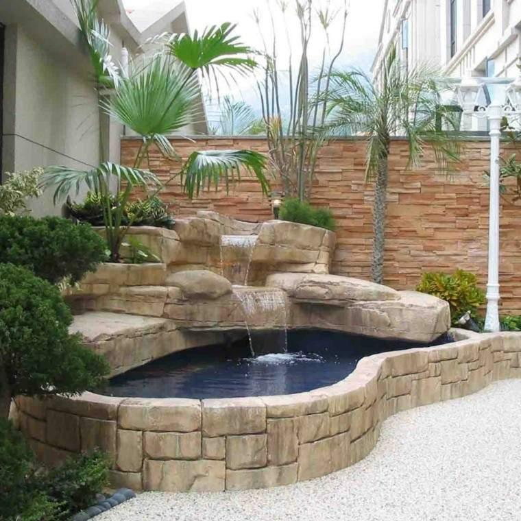 estanque pequeño piedra jardin cascada
