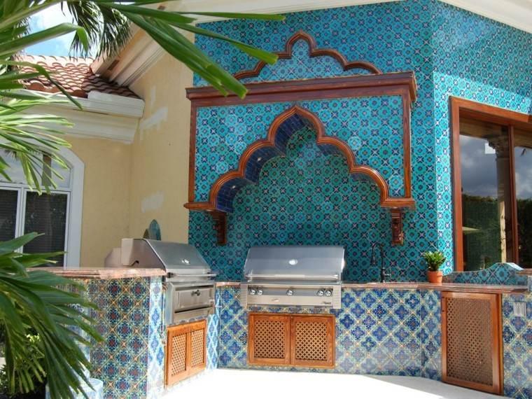 estilo mediterraneo mosaico cocina aire libre ideas