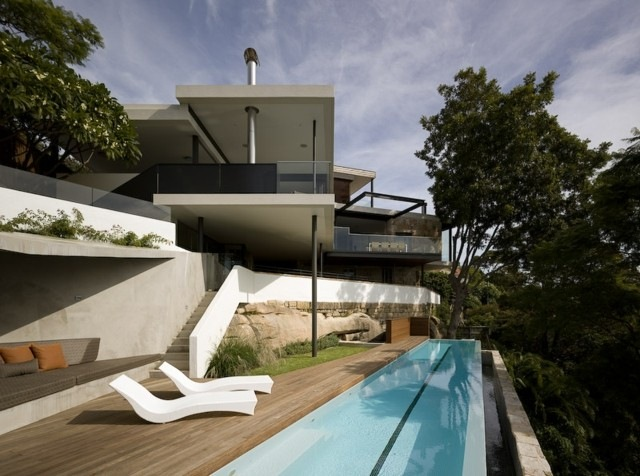 estupenda piscina borde estrecha vistas