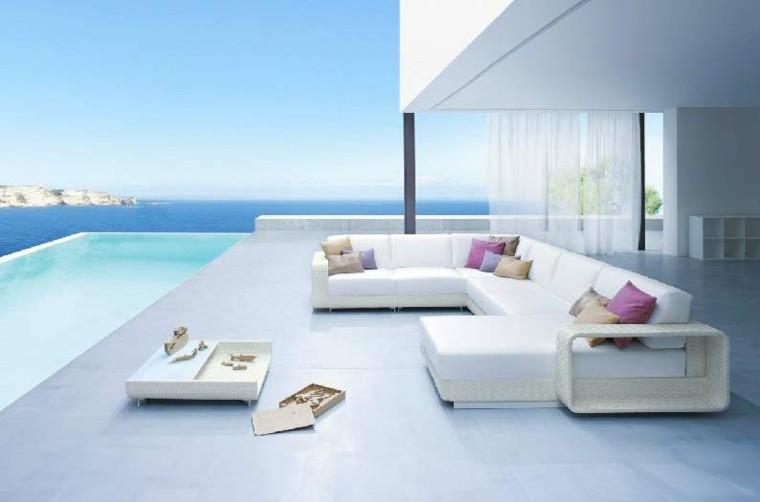 estupenda terraza vistas piscina mar