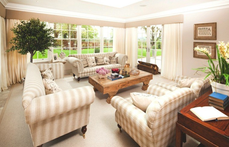extravagante salon plantas rayas mobiliario