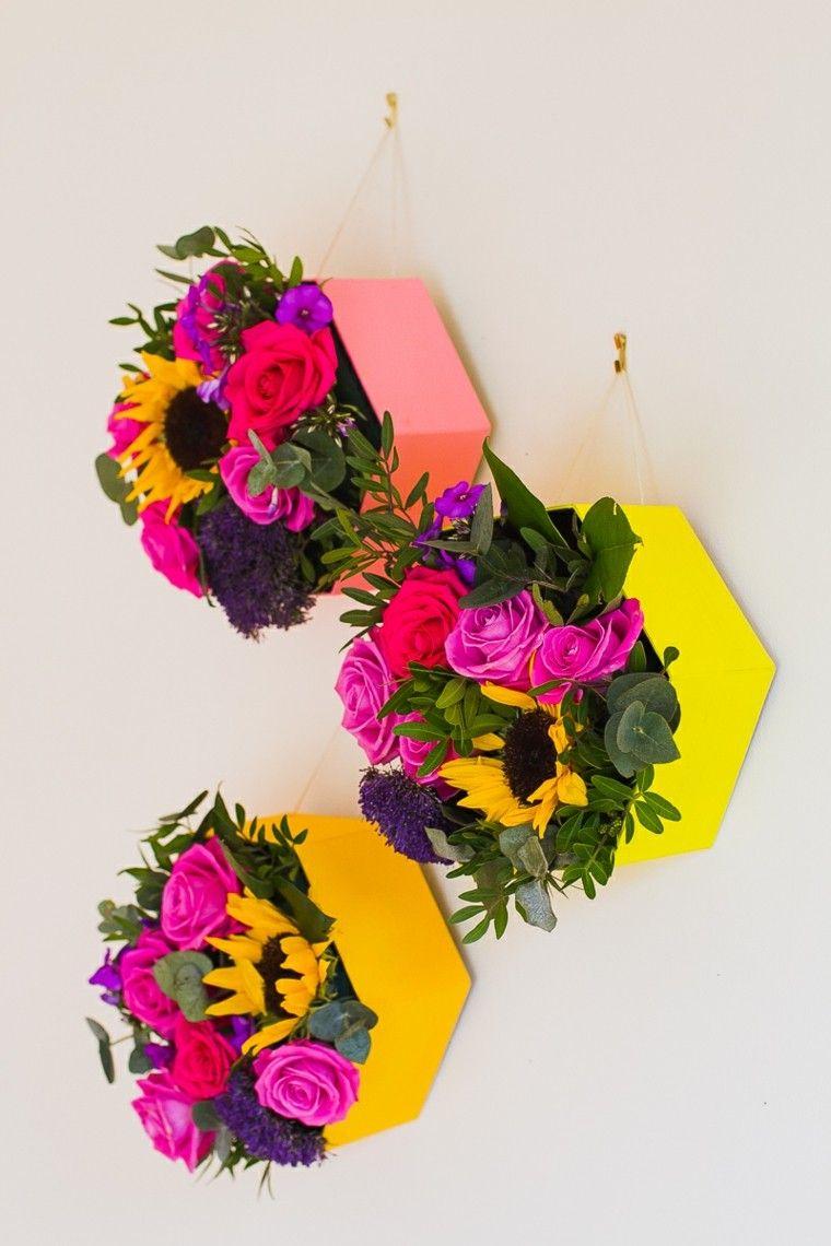 flores decorando pared casa interesante ideas