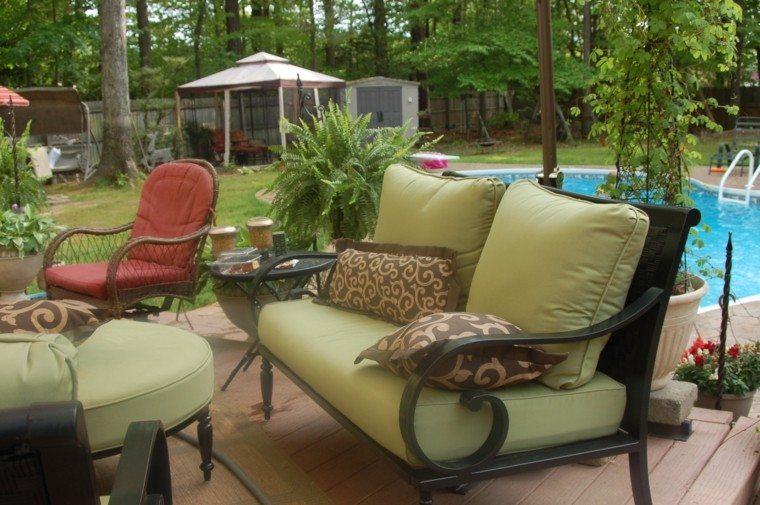 forja muebles rojo arboles piscina