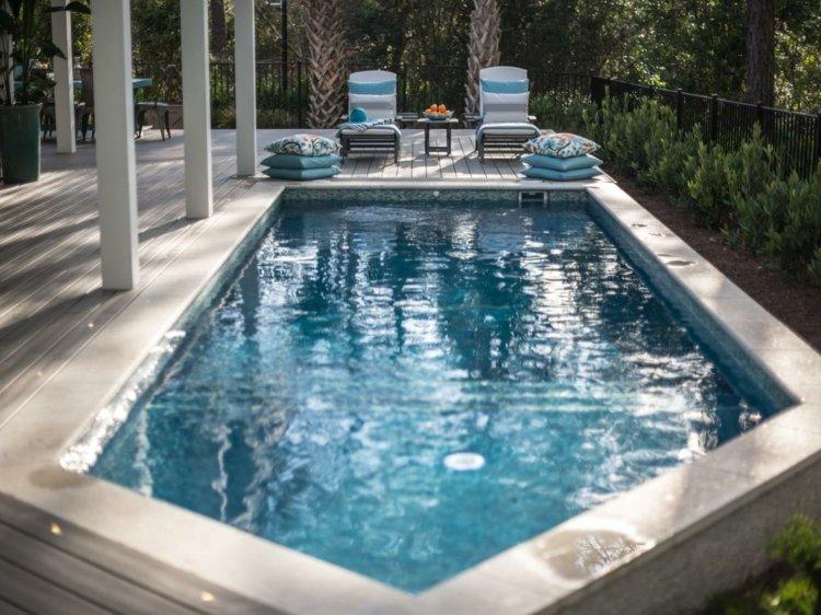 forma original piscina jardin suelo madera ideas