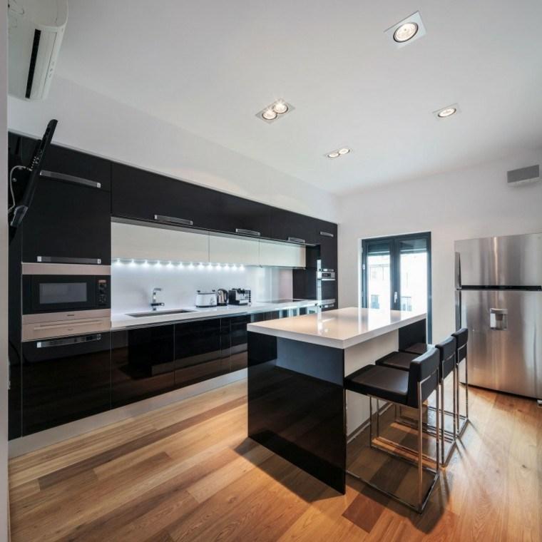 fotos de cocinas madera suelo led