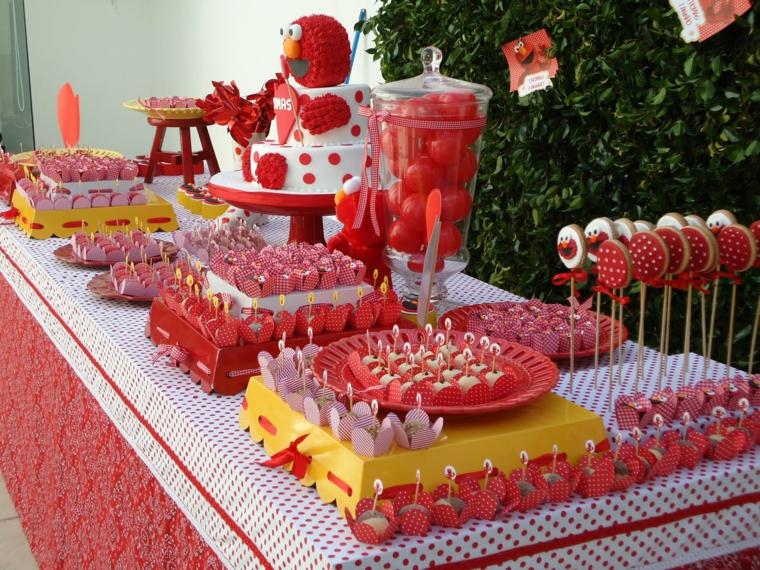 fresa decoracion rojo caritas colorido