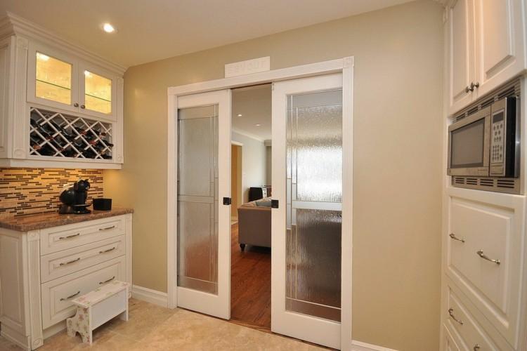 Puerta corredera 50 modelos para un espacio funcional - Puertas de cocina rusticas ...