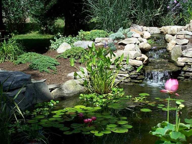 fuente cascada escalones flores lotus