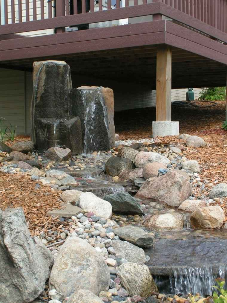 fuente cascada diseño estilo zen