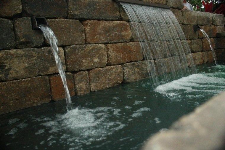 Cataratas y cascadas en el jard n 75 ideas - Fuentes de pared de piedra ...
