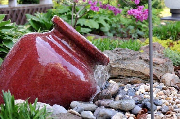 fuente agua jarra ceramica roja