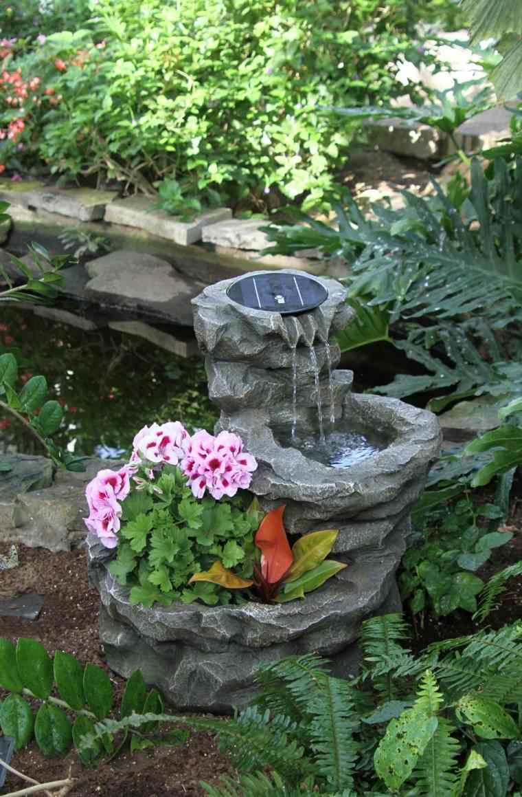 fuente pequeña piedra deco flores