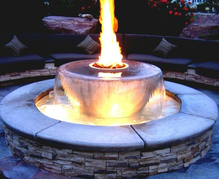 fuente redonda pozo fuego moderno