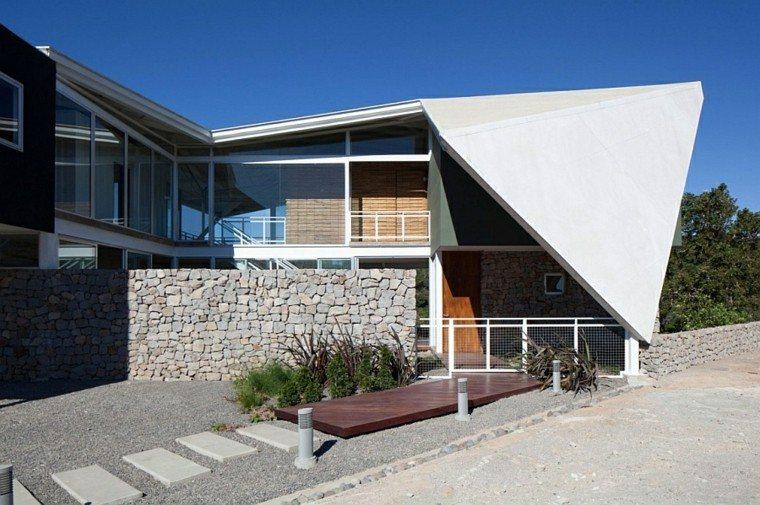 futurista sendero madera muro minimalista