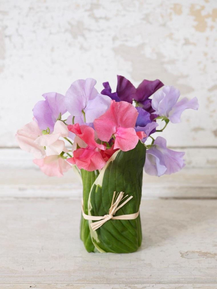 hojas envuelven recipiente pequeno flores ideas