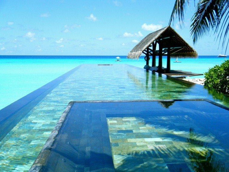 hotel creativo exterior mar palmeras