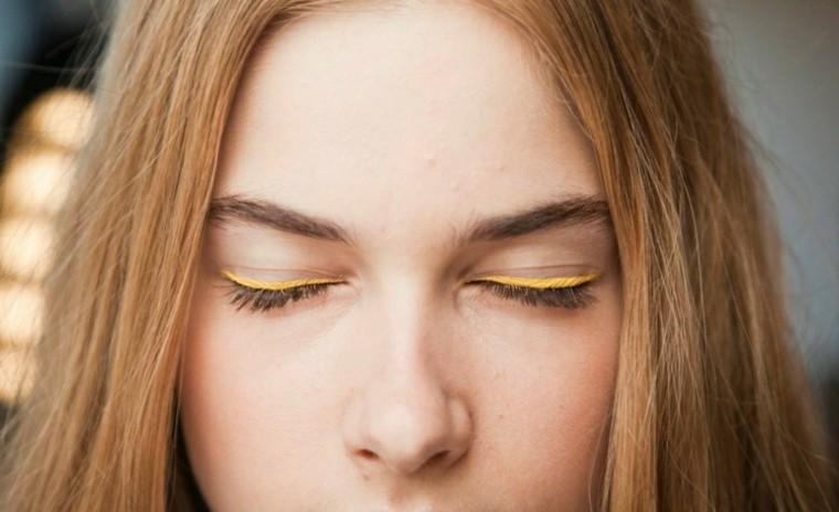 idea verano linea amarilla mujer