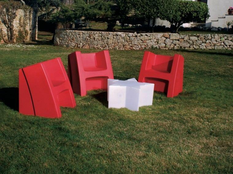 ideas estilo patio butacas rojas modernas