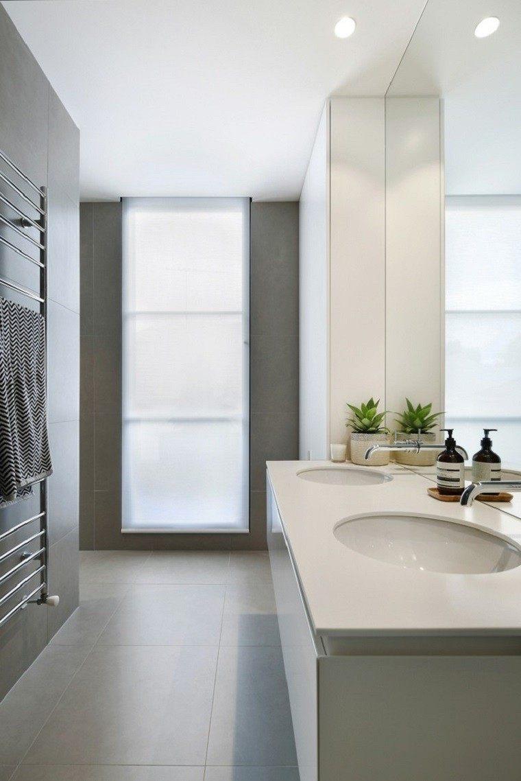 Interiores minimalistas ba os modernos y elegantes for Banos blancos modernos