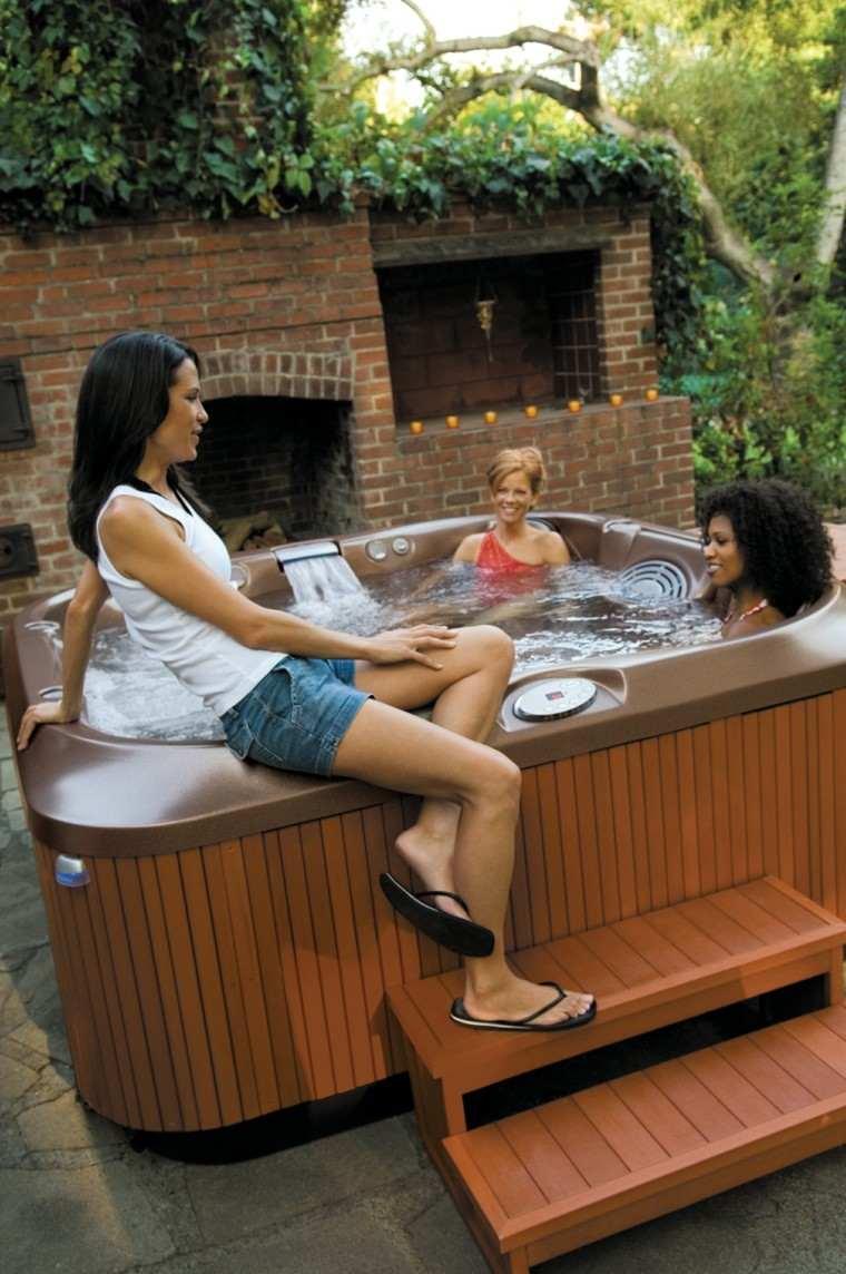 Baño Relajante Jacuzzi:jacuzzis para divertirse en el jardín