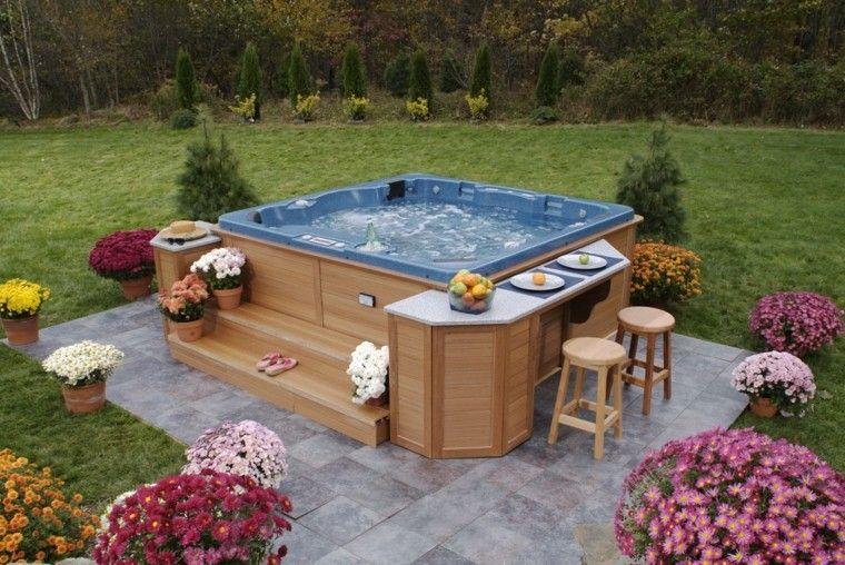 Baño De Burbujas Para Jacuzzi:Jacuzzi precioso para pasar buen tiempo con amigos en el jardín