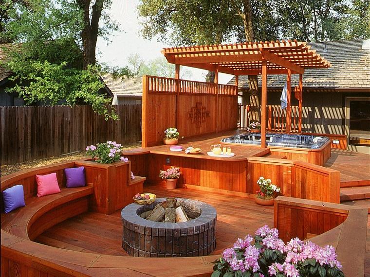 jardin madera lugar fuego pergola jacuzzi ideas