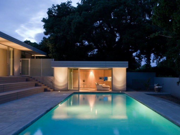 jardin moderno caseta piscina vistas
