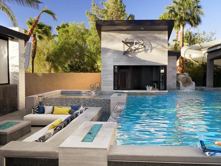 jardin moderno piscina muebles cojines ideas