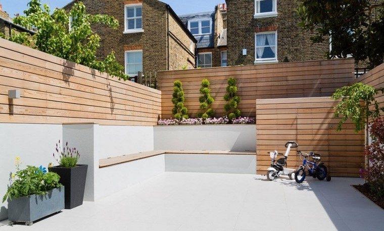 jardin pequeno estilo minimalista vallas madera hormigon ideas