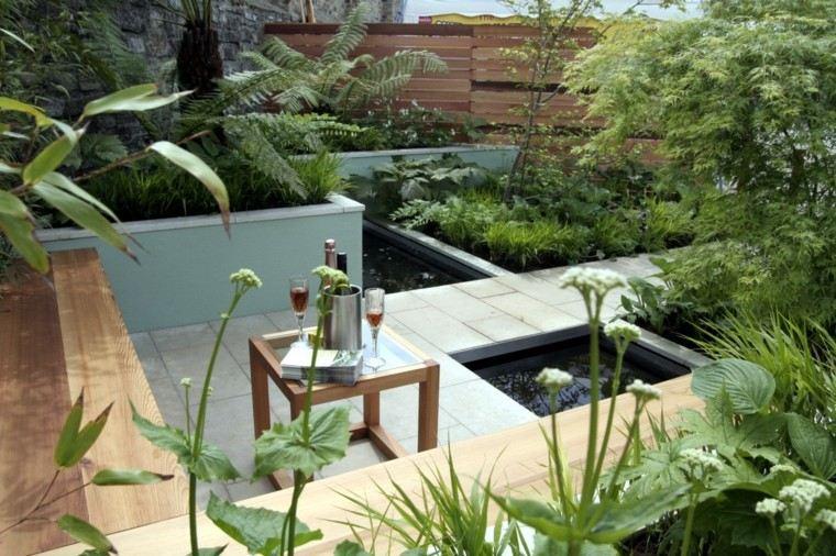 jardin pequeno mesa madera banco ideas