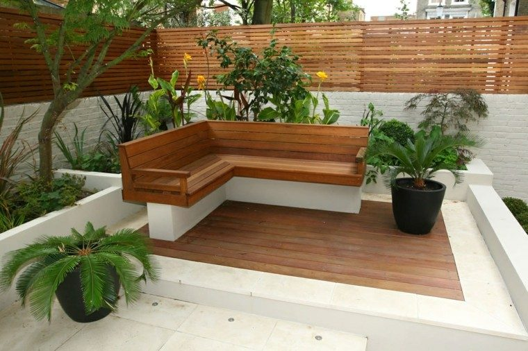 Dise o de jardines peque os grandes ideas para el jard n - Banco madera jardin ...