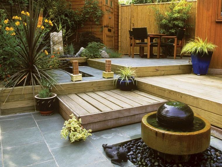 jardin pequeno niveles suelo madera ideas