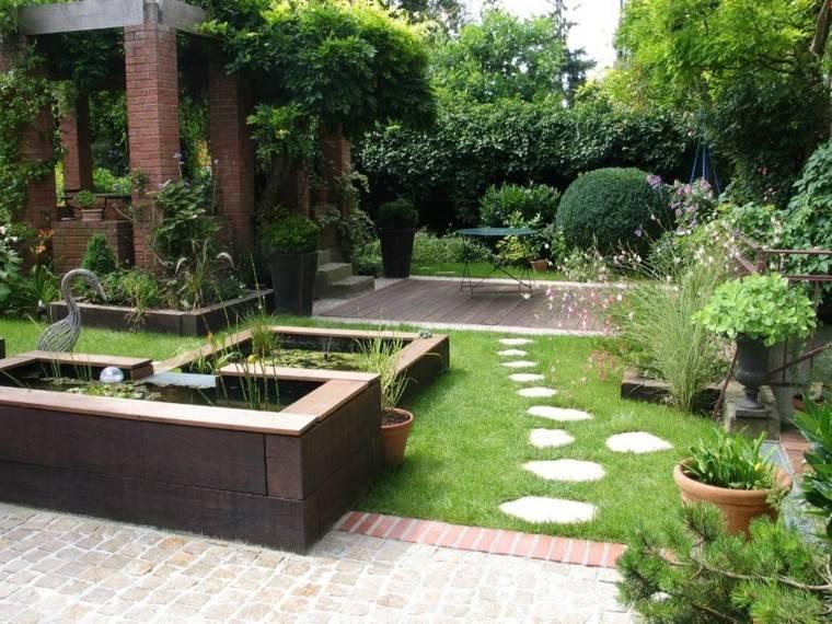 jardin pequeno plantas cesped camino piedra ideas
