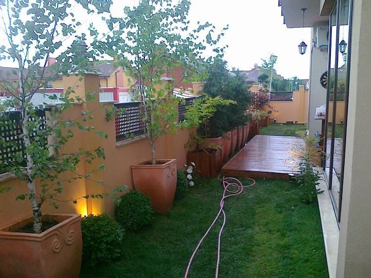 Ideas creativas jardines peque os muy modernos for Jardines pequenos pegados a la pared