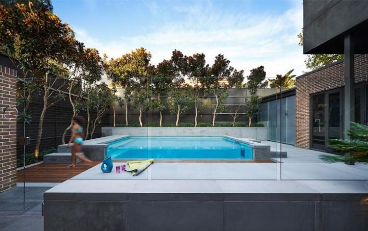 jardin piscina bordes fibra vidrio
